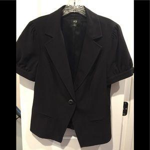 Cute black single button black short sleeve blazer